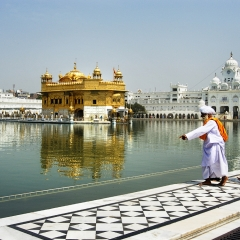 Worshippers at the Golden Temple, India